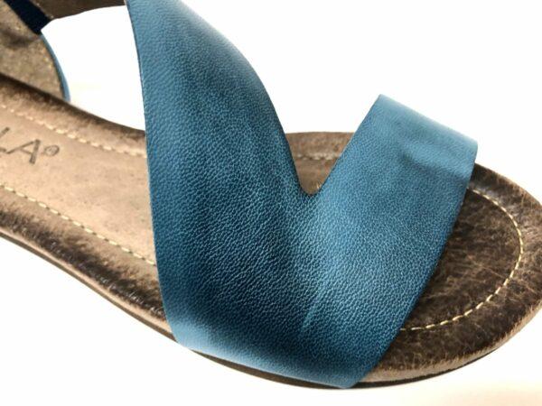 סנדל עור רצועה אלכסונית כחול 8050
