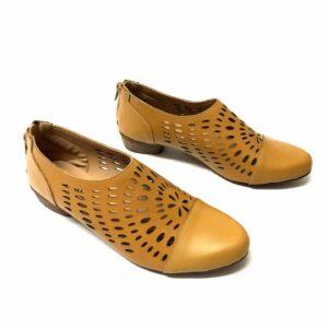 דגם 8012 : נעלי סירה בצבע בז