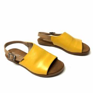 דגם 444: סנדל עור בצבע צהוב