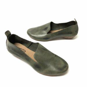 דגם 110: נעל עור בצבע ירוק זית