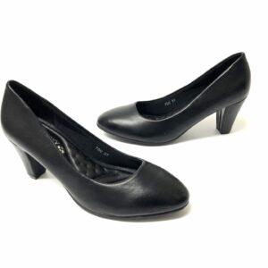 דגם 15071: נעלי סירה בצבע שחור