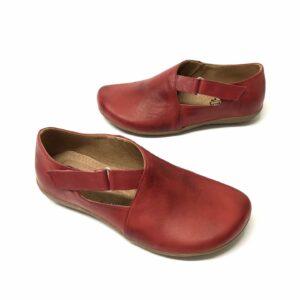 דגם 663 : נעל עור בצבע בורדו