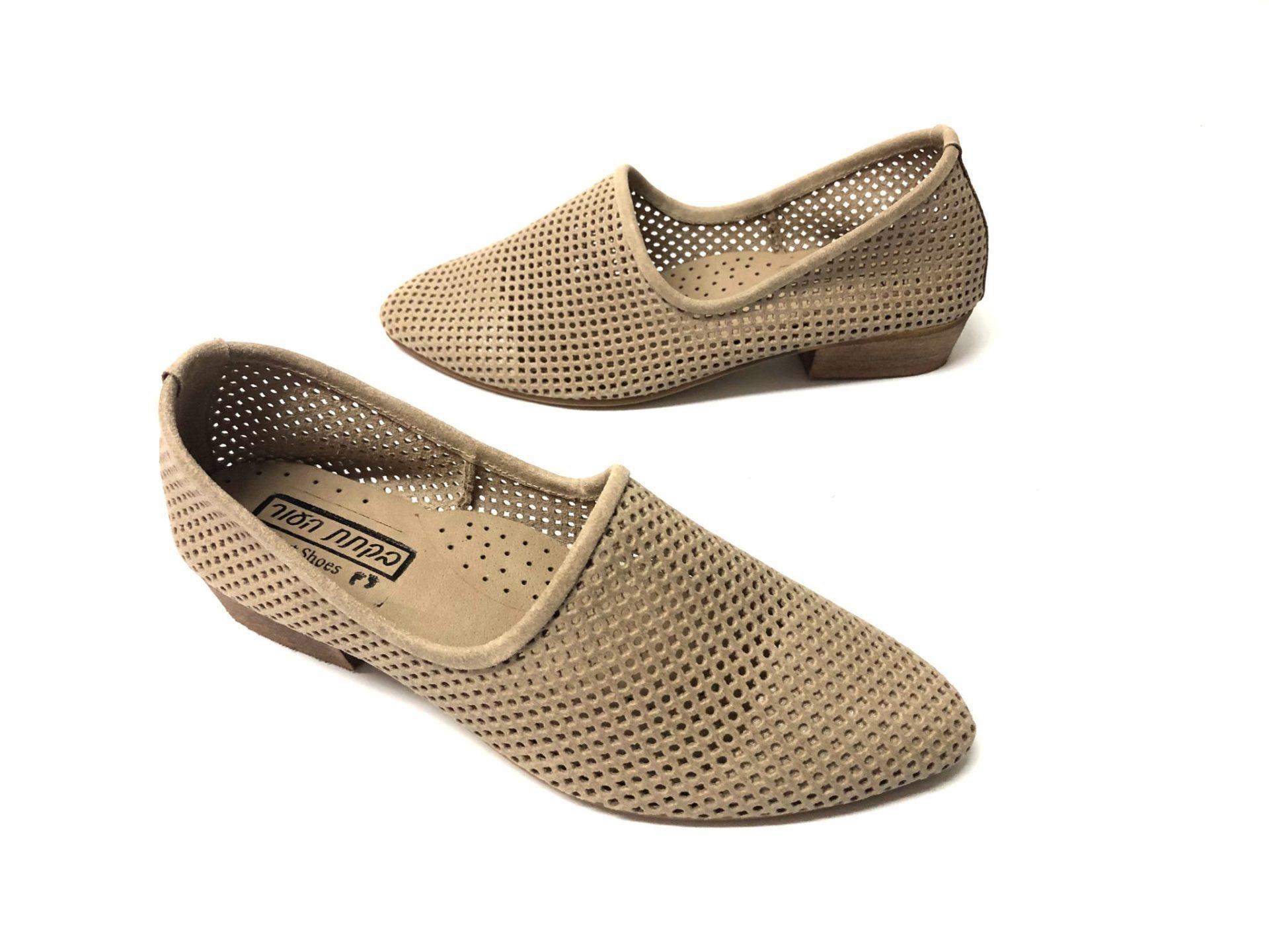 דגם 1245 : נעל מוקסין מחורר בצבע בז